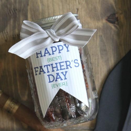 Everyday Party Magazine Candied Bacon Recipe #Bacon #CandiedBacon #Bourbon #FathersDay