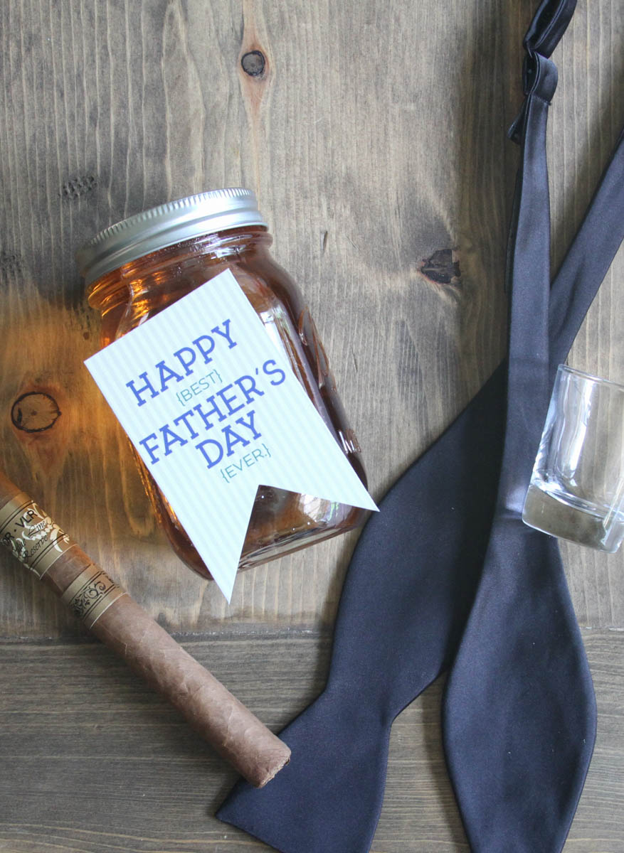 Everyday Party Magazine Maple bacon Infused Bourbon #Bourbon #Bacon #Recipe #FathersDay