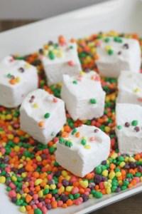 Everyday Party Magazine Summer Fun Marshmallows #Nerds #Marshmallows #SummerFood #PartyFood #Recipe