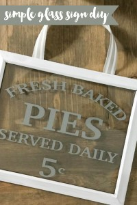 Easily make this farmhouse style sign in minutes for just a couple of dollars! #Farmhouse #Pies #DIY #Cricutmade