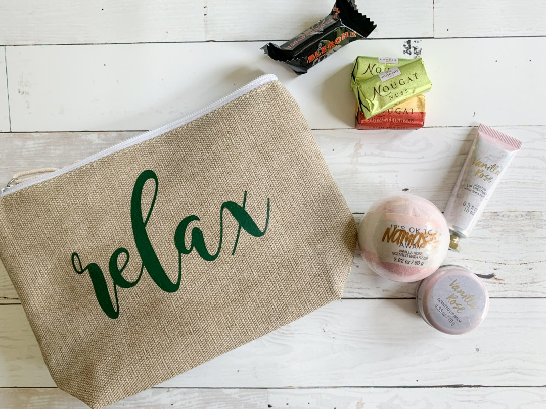 Relax Cosmetics Bag, Bath Bomb, Candies, Lotion