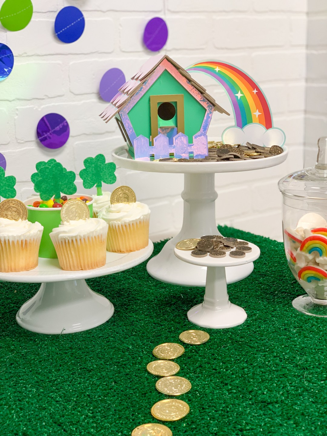 St. Patrick's Day Party Leprechaun Trap Rainbow Gold Coins Shamrocks Cupcakes