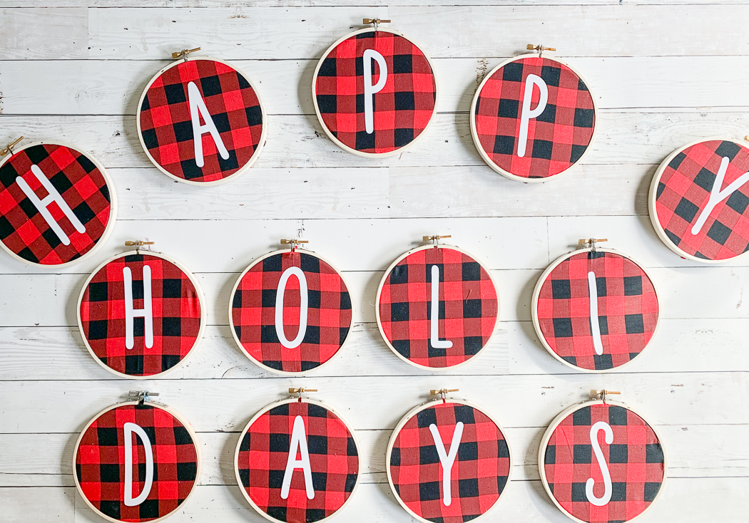 Buffalo Plaid Holiday Sign