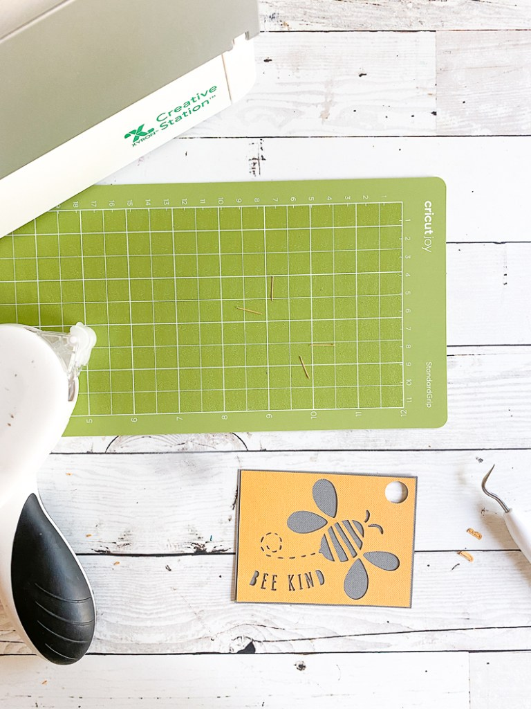 Cricut Bee Kind Card Adhesive Tape Runner