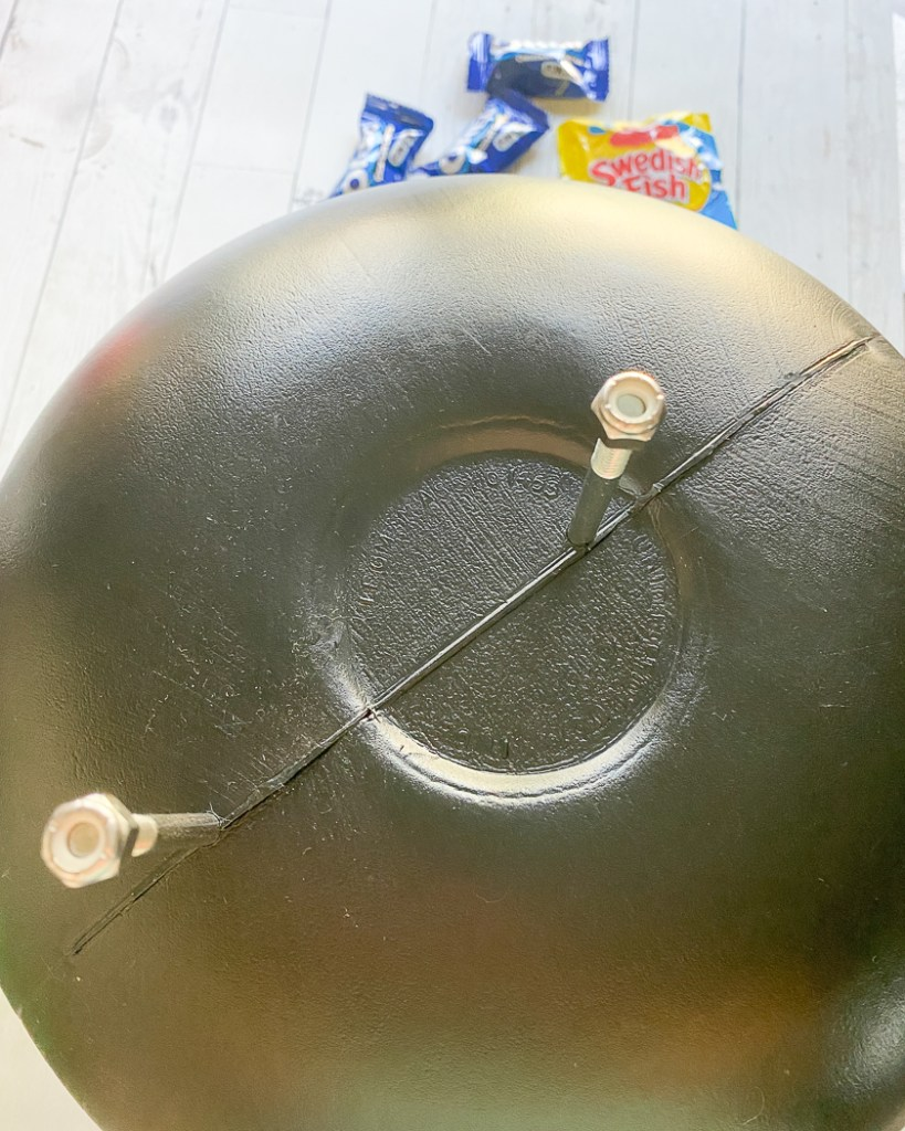 Halloween Cauldron DIY