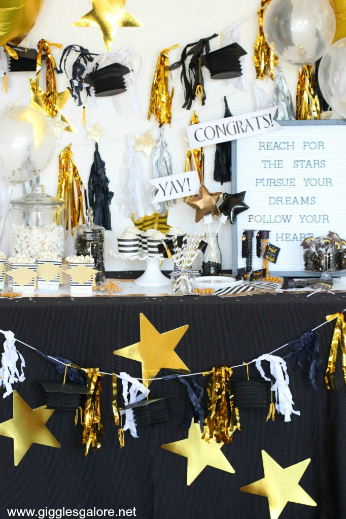 Black and Gold Party Table