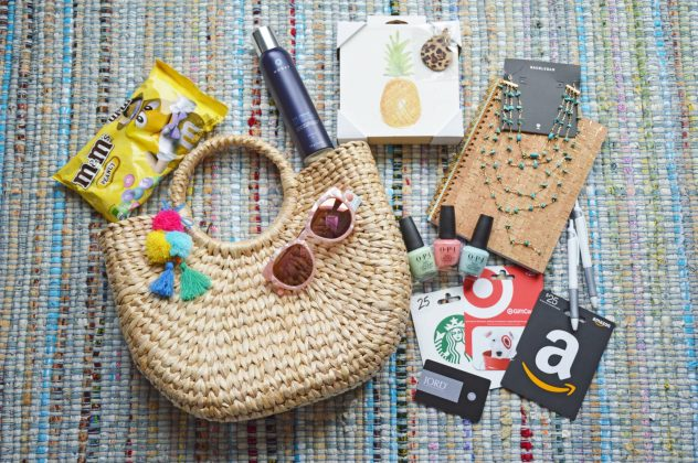 blogiversary giveaway prizes