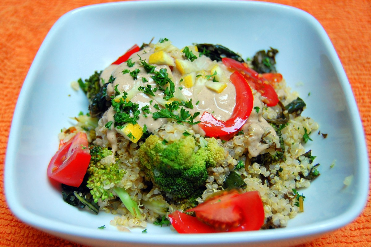 Quinoa Dish with Herbs and Steamed Vegetables Cooked in One Pot