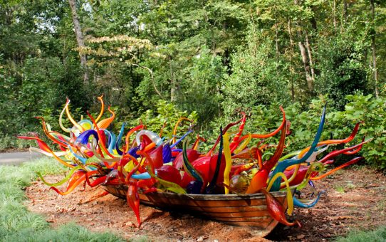 Dale Chihuly's Fiori Boat at Crystal Bridges