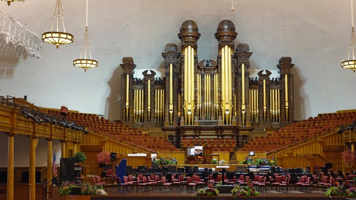 The organ inside the tabernacle
