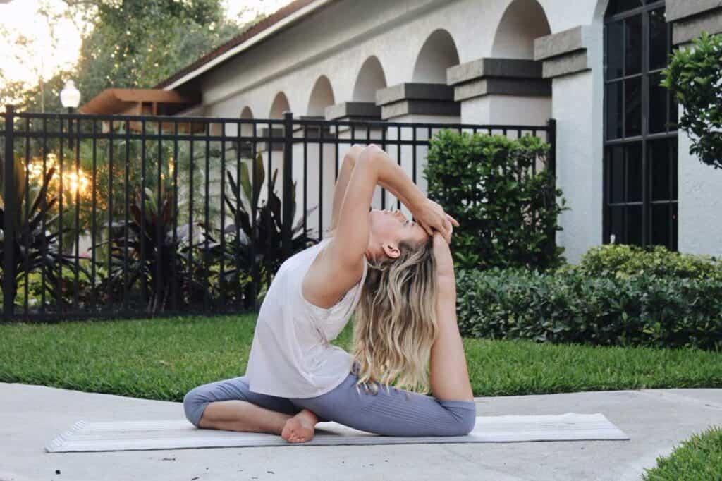 Yoga Guide - 10 Videos to Follow