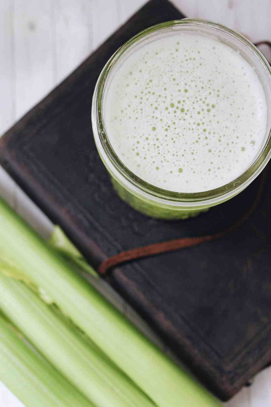 How Drinking Celery Juice daily can decrease inflammation & sooth the gut