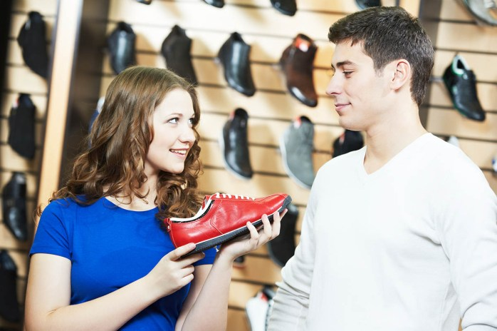 Tips-For-Buying-Shoes-For-Wide-Feet