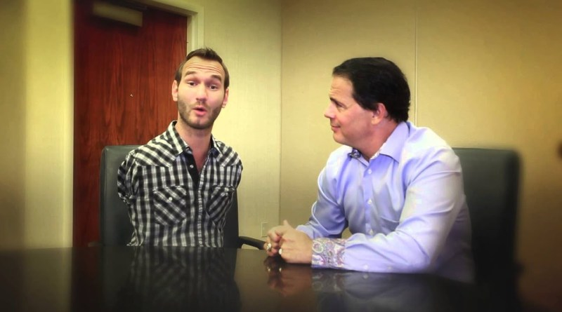 """OBSTACLES: Special Guest Nick Vujicic Hijacks """"A Minute With Maxwell"""""""
