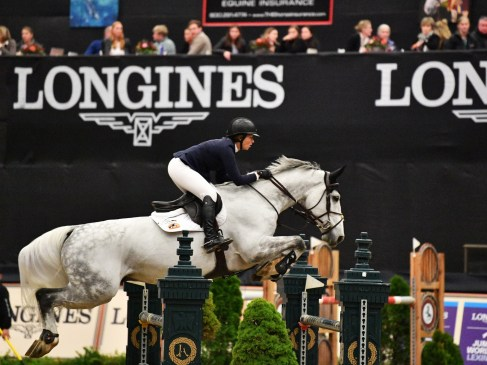 And she does it again! Olympic and World Cup Champion Beezie Madden (USA) with mount Chic Hin D Hyrencourt take another victory in the Longines FEI Jumping World Cup™ in Lexington (USA) on Saturday 3 November 2018. (FEI/Shawn McMillen Photography)