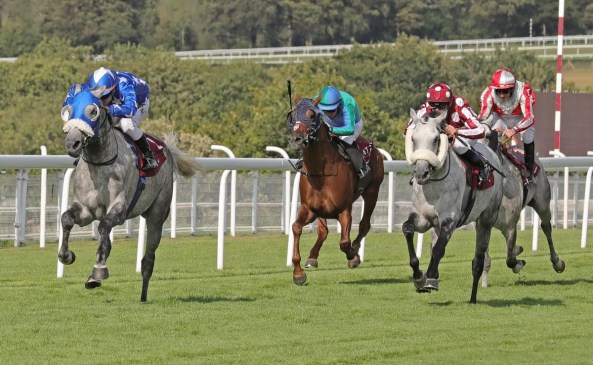 Ebraz (GB) and Maxime Guyon (left) win the 2019 Qatar International Stakes (Gr1PA) from Tayf (FR) and Olivier Peslier (right) (C) Debbie Burt