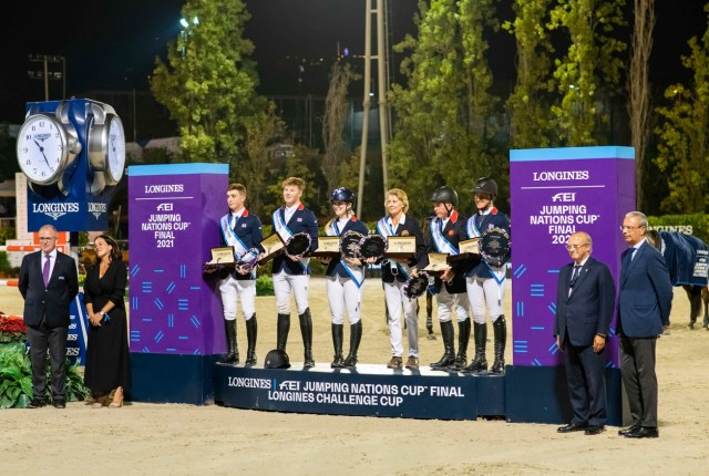 Team Great Britain won the Challenge Cup Trophy tonight at the Longines FEI Jumping Nations Cup™ Final 2021 at the Real Club de Polo in Barcelona, Spain. (L to R) Jack Whitaker, Harry Charles, Emily Moffitt, Chef d'Equipe Di Lampard, John Whitaker and Holly Smith. (FEI/Lukasz Kowalski)