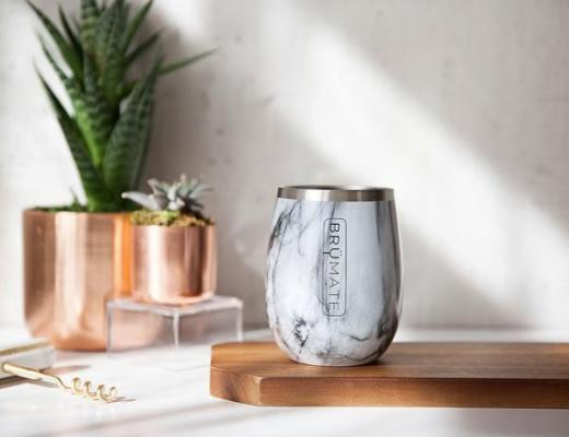 BrüMate Uncork'd Wine Glasses - Carrara marble pattern