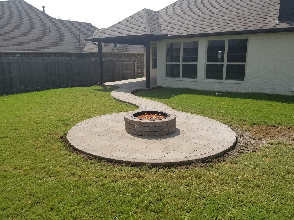 Everything Outdoors Fireplaces and Fire Pits -landscaping ... on Pavers Patio With Fire Pit id=28059