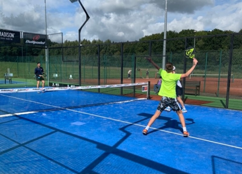 how to choose a padel racket