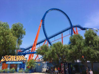Die Achterbahn Scream in Six Flags Magic Mountain