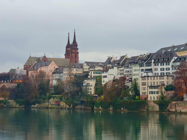 Das Baseler Münster und der Rhein