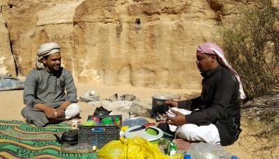 Beduinen kochen im Wadi Rum