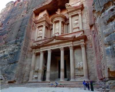 Die Schatzkammer in Petra am späten Nachmittag