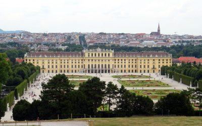 Blick auf Schönbrunn von der Gloriette