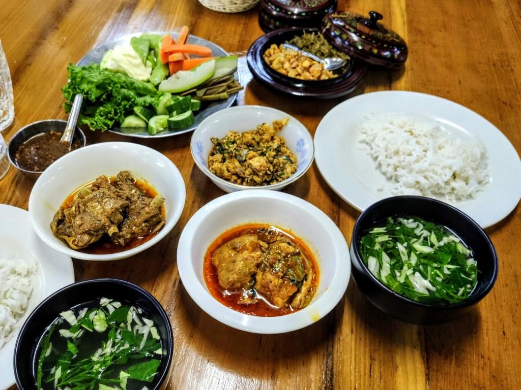 Food at Aung Thukha
