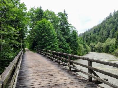 Brücke über dei Weiße Traun bei Ruhpolding