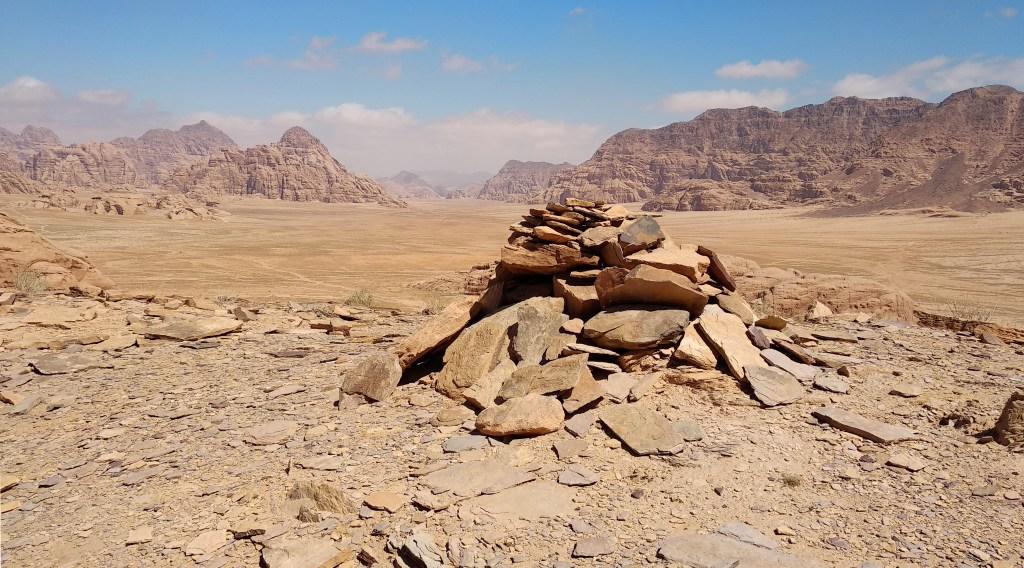 Steinhaufen im Wadi Rum