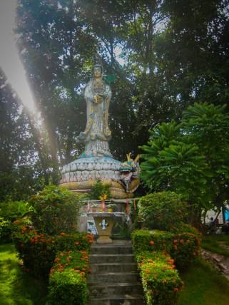 Statue at Phra Mae Ya