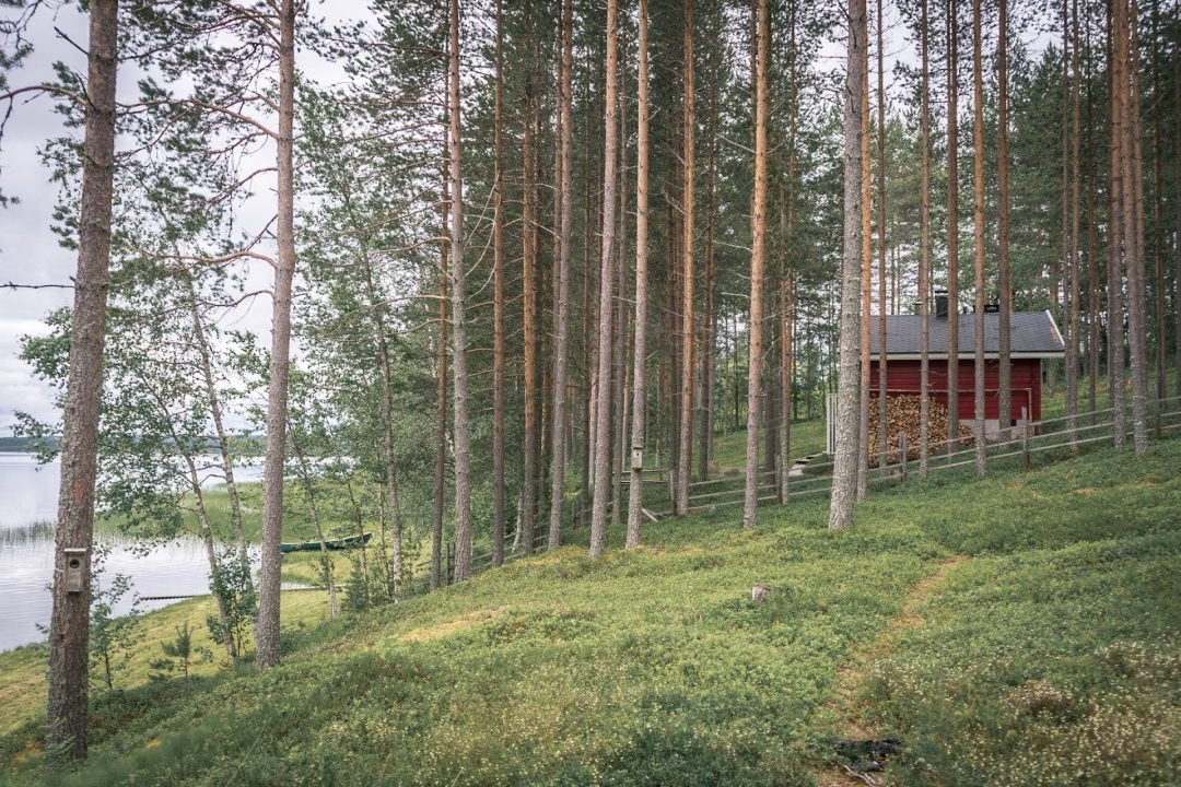 Finnish cabin by lake sauna