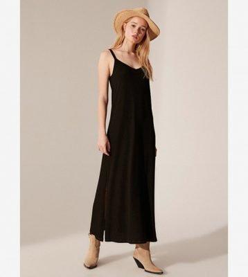 فستان اسود طويل