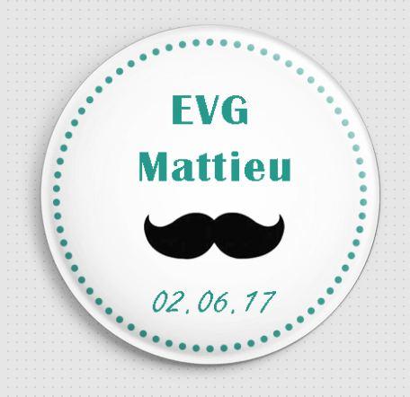 Badge personnalisé moustache EVG