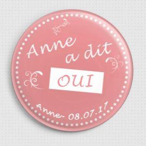 20 badges personnalisés EVJF 'OUI'