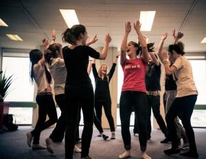 Activité Yoga du rire EVG EVJF