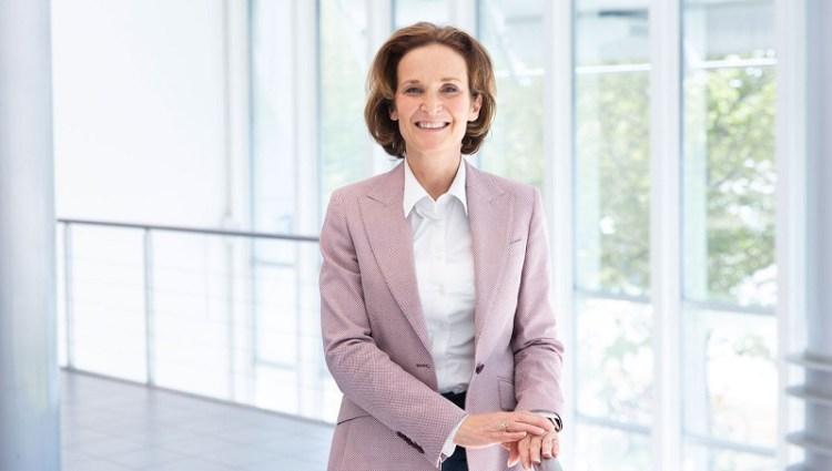 Lilium Anja Maassen van den Brink, CPO