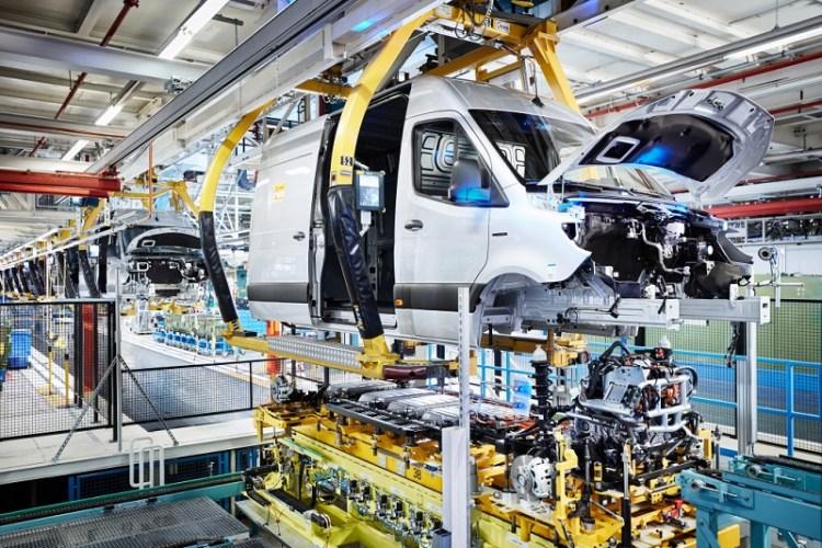 Mercedes-Benz Werk Düsseldorf feiert Produktionsstart des Mercedes-Benz eSprinter Mercedes-Benz Dusseldorf plant celebrates start of production of the Mercedes-Benz eSprinter