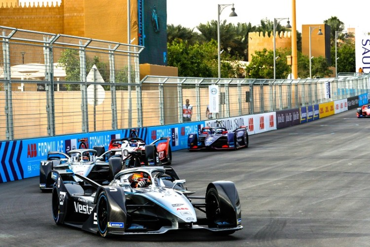 Stoffel Vandoorne (Mercedes-Benz EQ) racing against team-mate and reigning F2 champion Nyck de Vries, Edoardo Mortara ROKiT Venturi Racing and Sam Bird Envision Virgin Racing in Diriyah.jpg
