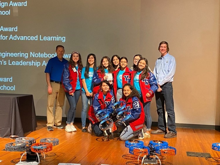 Students Shine at Third Annual Bell Vertical Robotics Competition -2