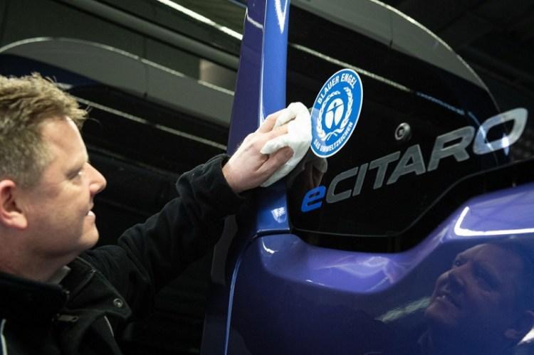 """Effiziente und nachhaltige Mobilität in Städten - Umweltzeichen """"Blauer Engel""""  für den Mercedes-Benz eCitaro Efficient and environmentally friendly local public transport in cities: Environmental label"""