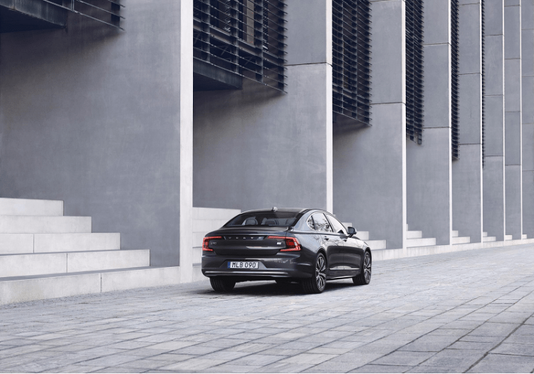 Volvo S90 Recharge T8 plug-in hybrid Rear Image