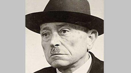 Ο Γιάννης Σκαρίμπας, ποιητής, πεζογράφος, θεατρικός συγγραφέας