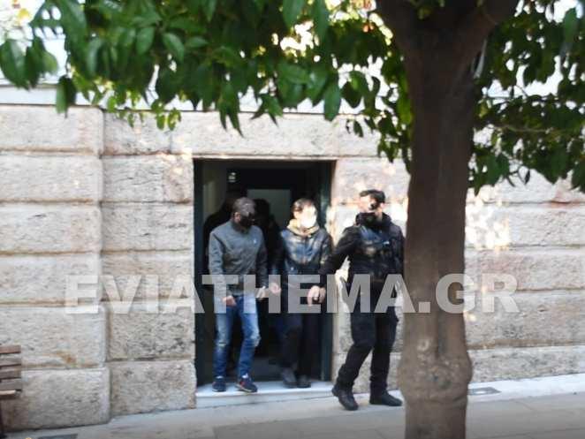Σήμερα Κυριακή 14/03 από τις 9.30 το πρωί στην Εισαγγελία Χαλκίδας οδηγήθηκαν 10 εκ των μελών των ομάδων