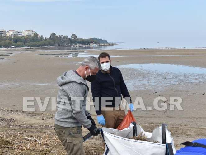 Αντιδήμαρχοι Χαλκιδέων Καθαρισμός Παραλίας
