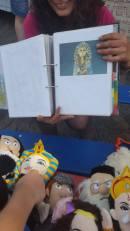 child matching King Tut doll to picture, Bonn Fest der Kulturen, May 2017