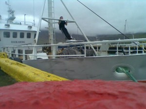 Pull-ups on a ship's mast