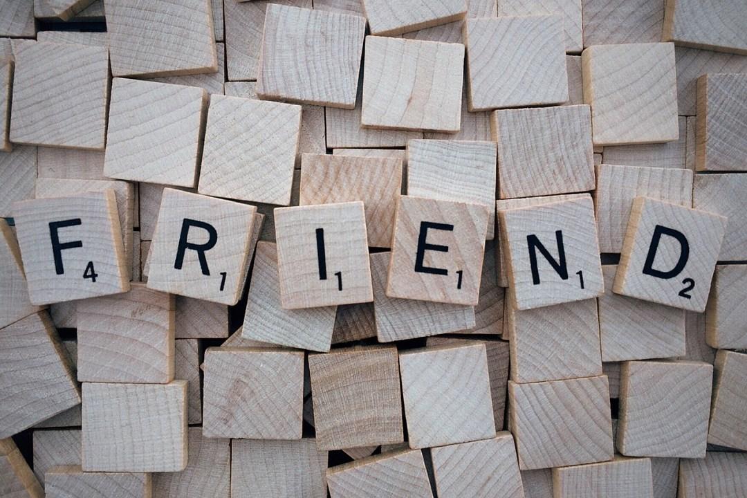 De la difficulté de traduire l'amitié